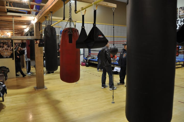 Beneficiile antrenamentului la sacul de box