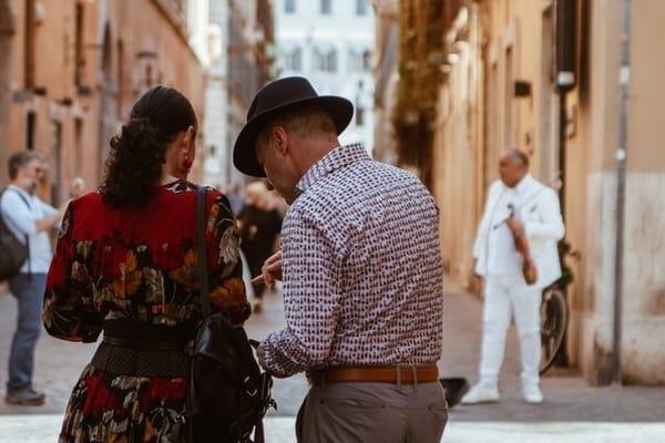 Atitudine masculină - Cum să te porți cu femeile